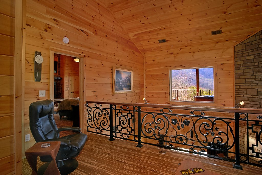 Photo of a Gatlinburg Cabin named Livin It Up - This is the nineteenth photo in the set.