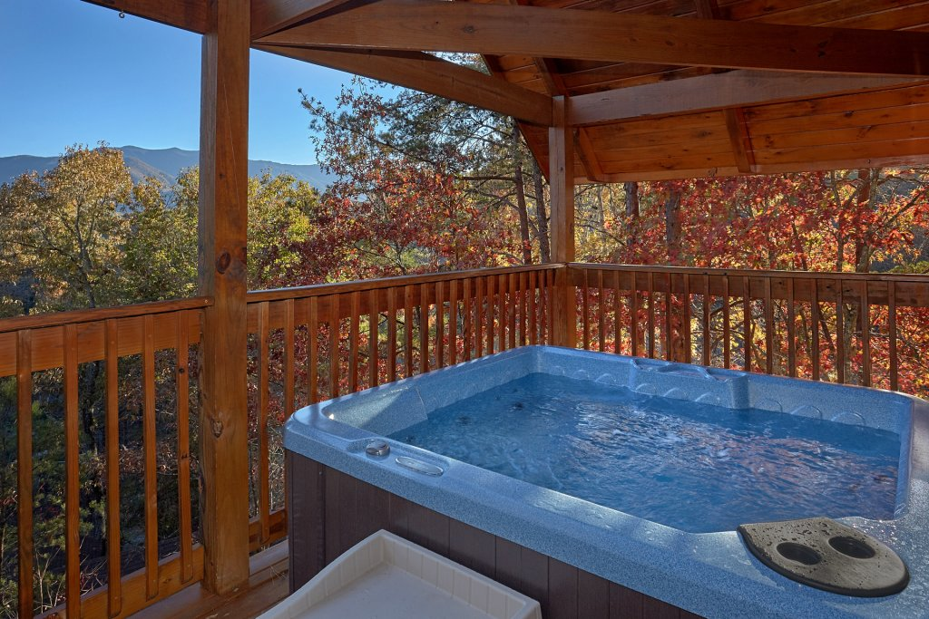 Photo of a Gatlinburg Cabin named Moonshiners View - This is the seventh photo in the set.