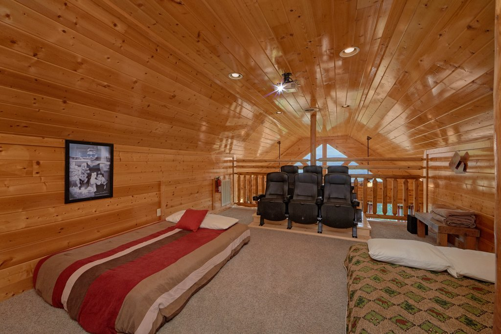 Photo of a Pigeon Forge Cabin named Legacy Vista - This is the nineteenth photo in the set.