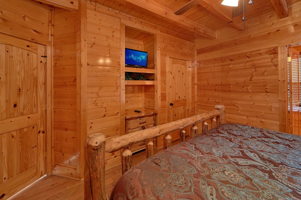 Photo of a Pigeon Forge Cabin named Legacy Vista - This is the eighteenth photo in the set.