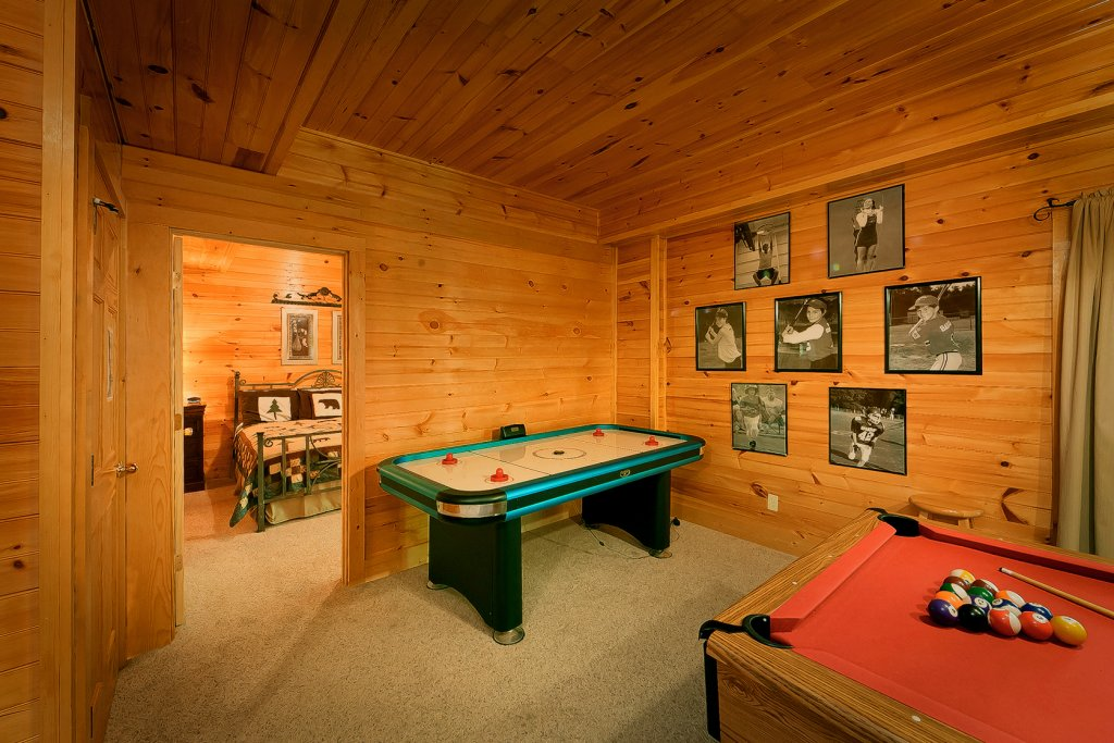 Photo of a Gatlinburg Cabin named Mountain Laurel - This is the fifth photo in the set.
