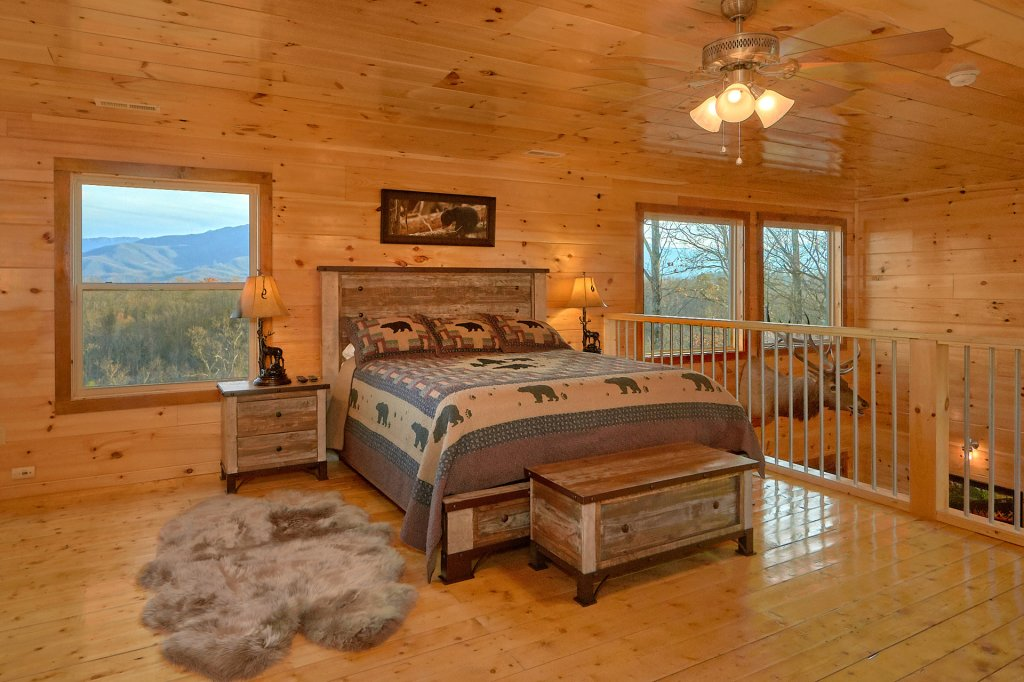 Photo of a Gatlinburg Cabin named Legends Pool Lodge - This is the twenty-ninth photo in the set.