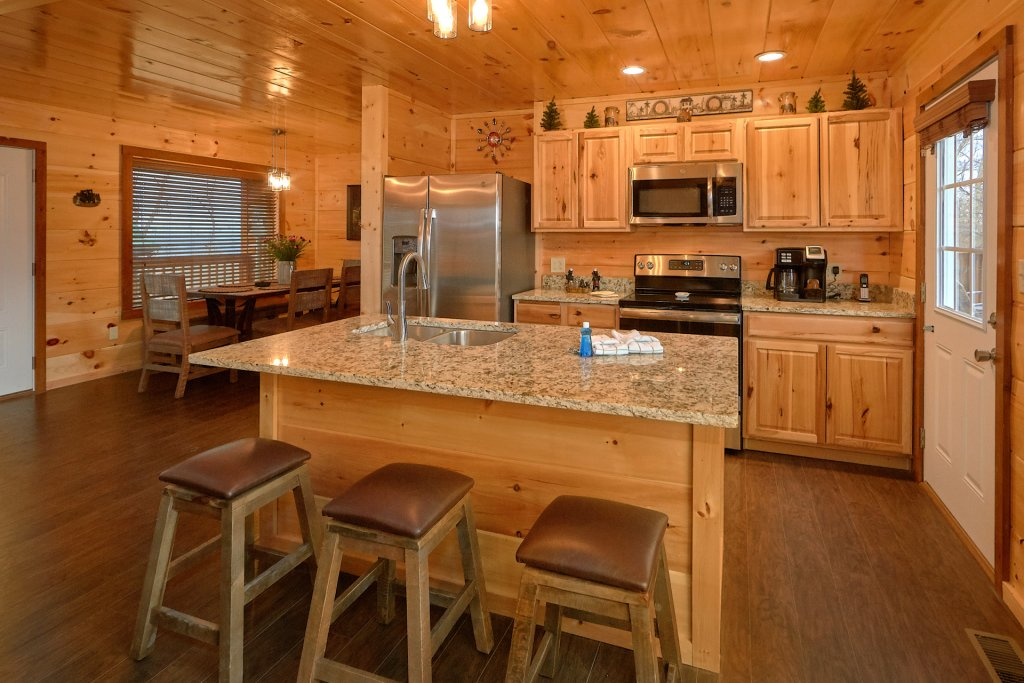 Photo of a Gatlinburg Cabin named Legends Pool Lodge - This is the nineteenth photo in the set.