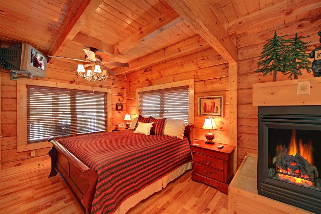 Photo of a Gatlinburg Cabin named Mountain Laurel - This is the thirteenth photo in the set.