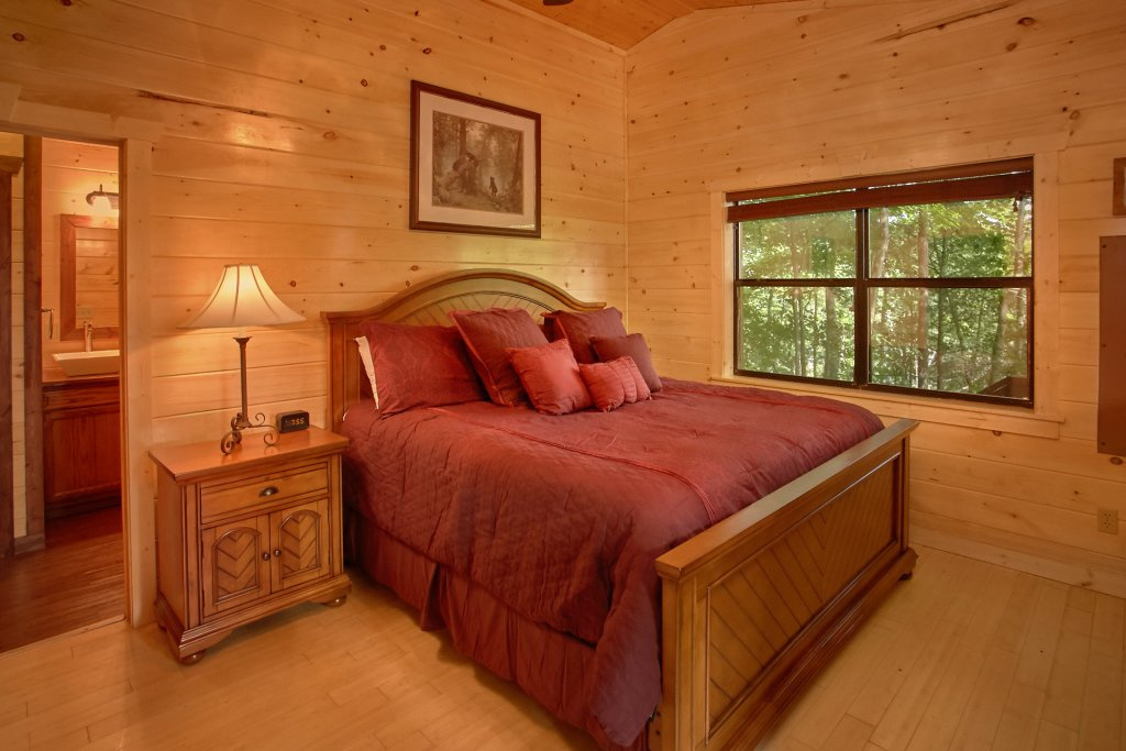 Photo of a Gatlinburg Cabin named Love Me True - This is the fifteenth photo in the set.
