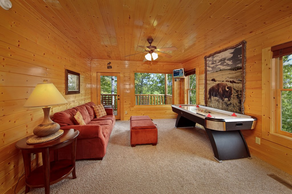 Photo of a Pigeon Forge Cabin named Misty Ridge #68 - This is the seventh photo in the set.