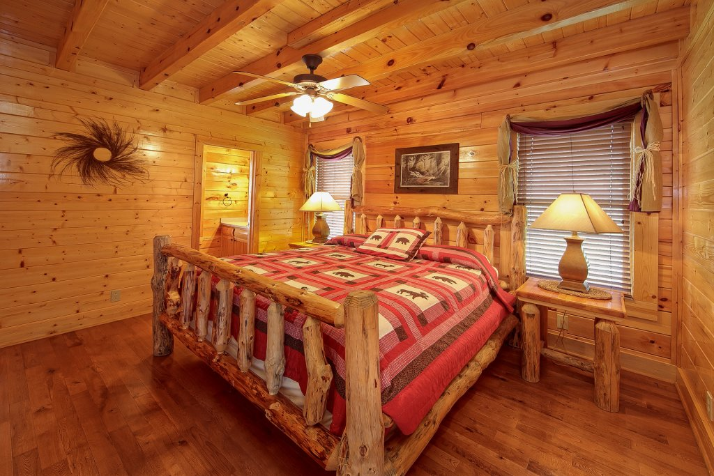 Photo of a Pigeon Forge Cabin named Misty Ridge #68 - This is the twenty-first photo in the set.
