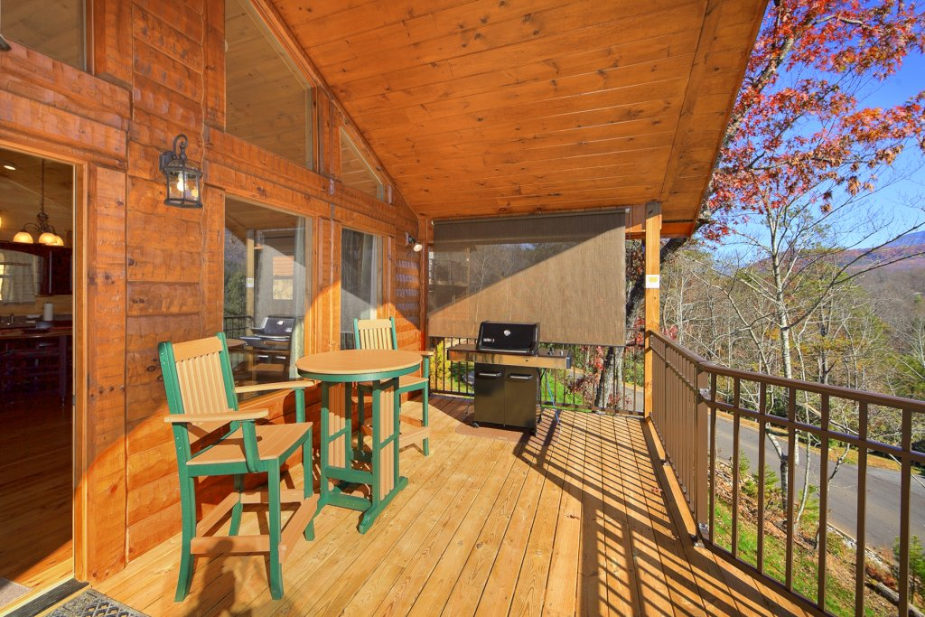 Photo of a Gatlinburg Cabin named Moonstruck - This is the third photo in the set.