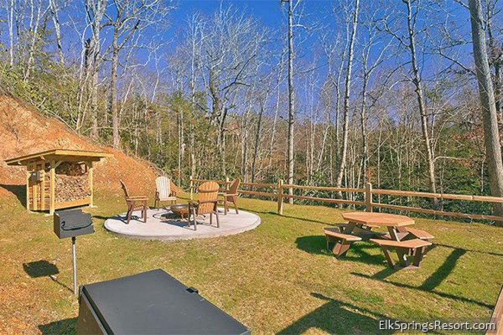 Photo of a Gatlinburg Cabin named Mountain Elegance - This is the eighteenth photo in the set.