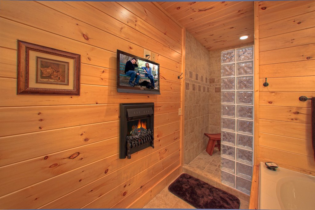 Photo of a Gatlinburg Cabin named Mountain Elegance - This is the fourteenth photo in the set.