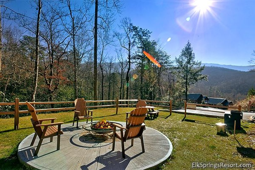 Photo of a Gatlinburg Cabin named Mountain Elegance - This is the nineteenth photo in the set.