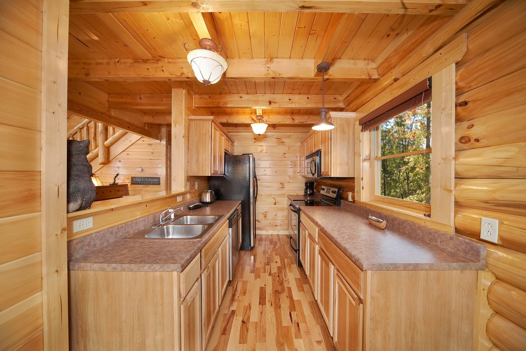 Photo of a Gatlinburg Cabin named Mountain Magic - This is the sixth photo in the set.