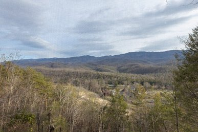 A 2 Bedroom, 2 Bath Luxury Condo For 4 With A Breathtaking Smokies View.