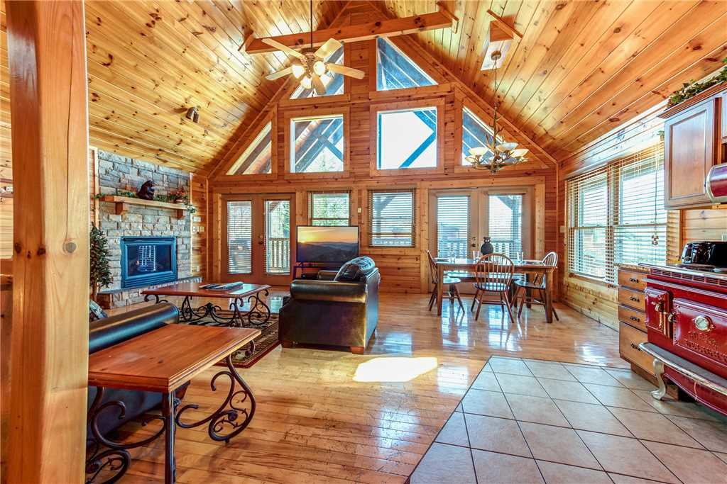 Photo of a Gatlinburg Cabin named Cloud Dancer - This is the seventh photo in the set.