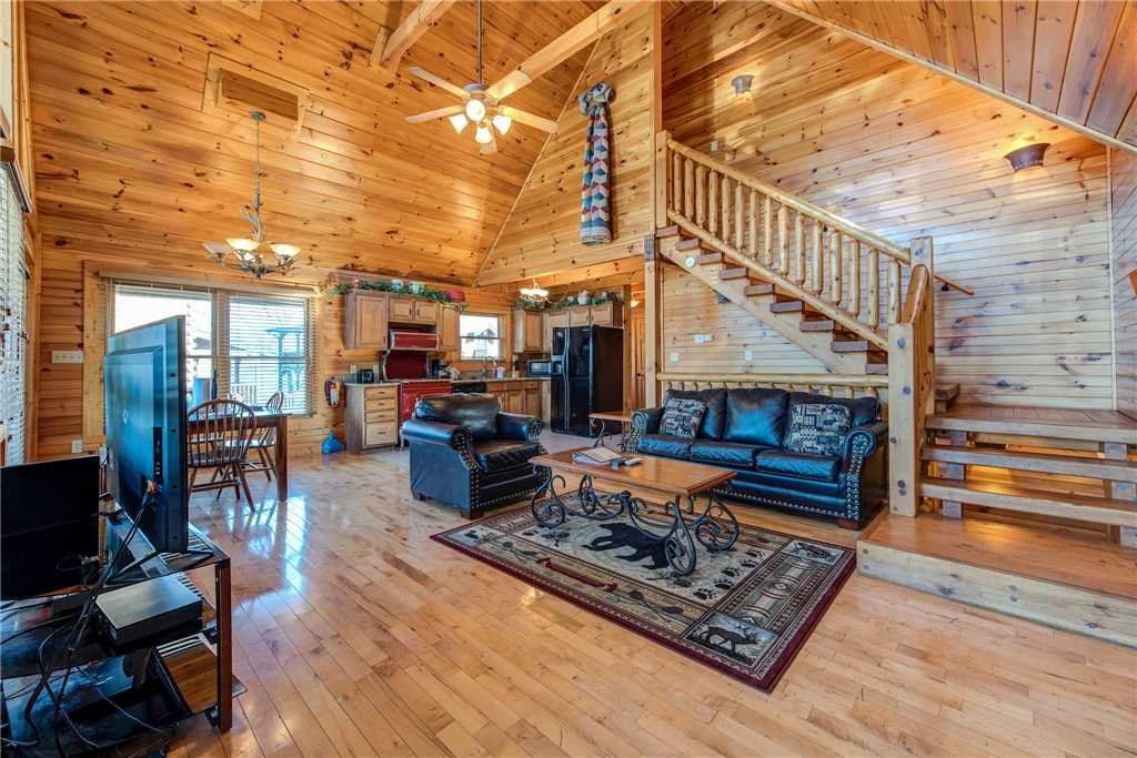 Photo of a Gatlinburg Cabin named Cloud Dancer - This is the fourth photo in the set.