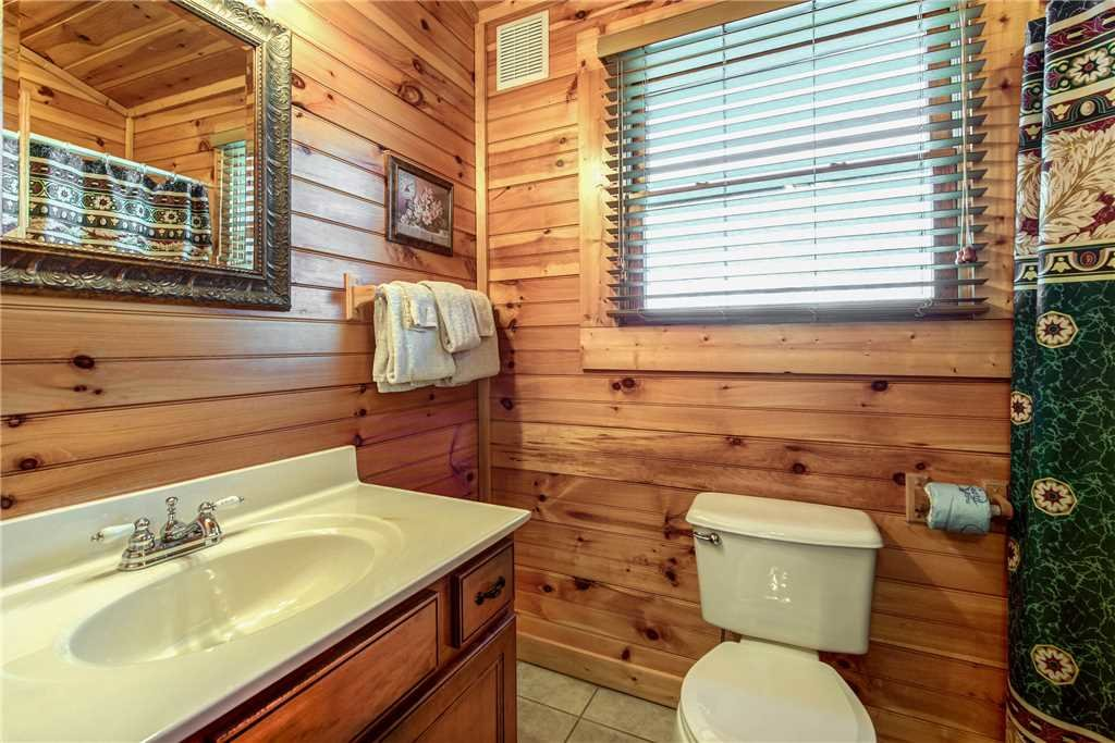 Photo of a Gatlinburg Cabin named Cloud Dancer - This is the thirteenth photo in the set.