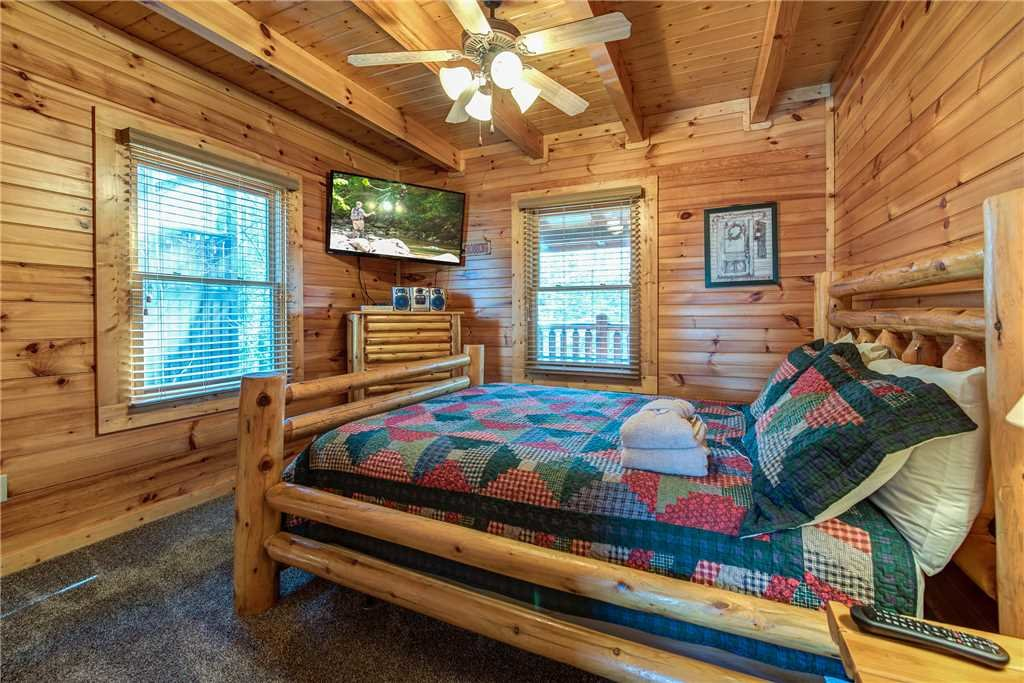 Photo of a Gatlinburg Cabin named Cloud Dancer - This is the fifteenth photo in the set.