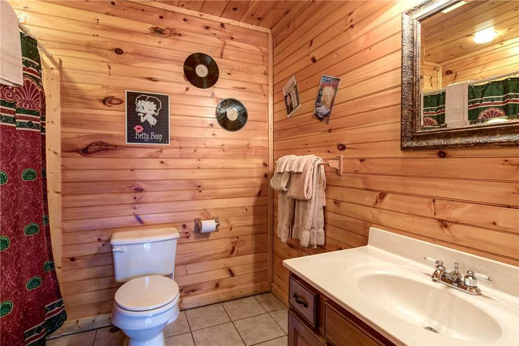 Photo of a Gatlinburg Cabin named Cloud Dancer - This is the nineteenth photo in the set.