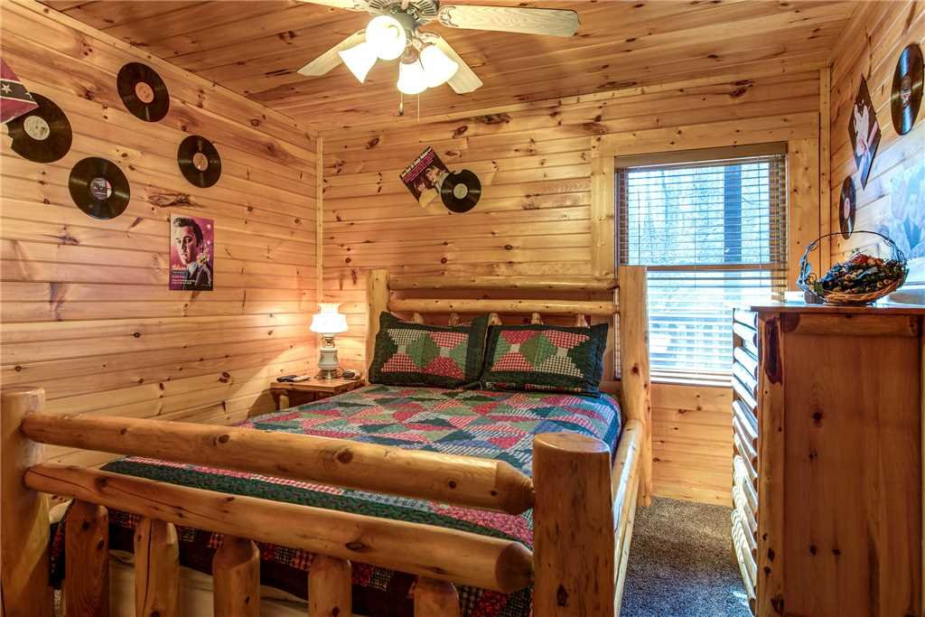 Photo of a Gatlinburg Cabin named Cloud Dancer - This is the seventeenth photo in the set.
