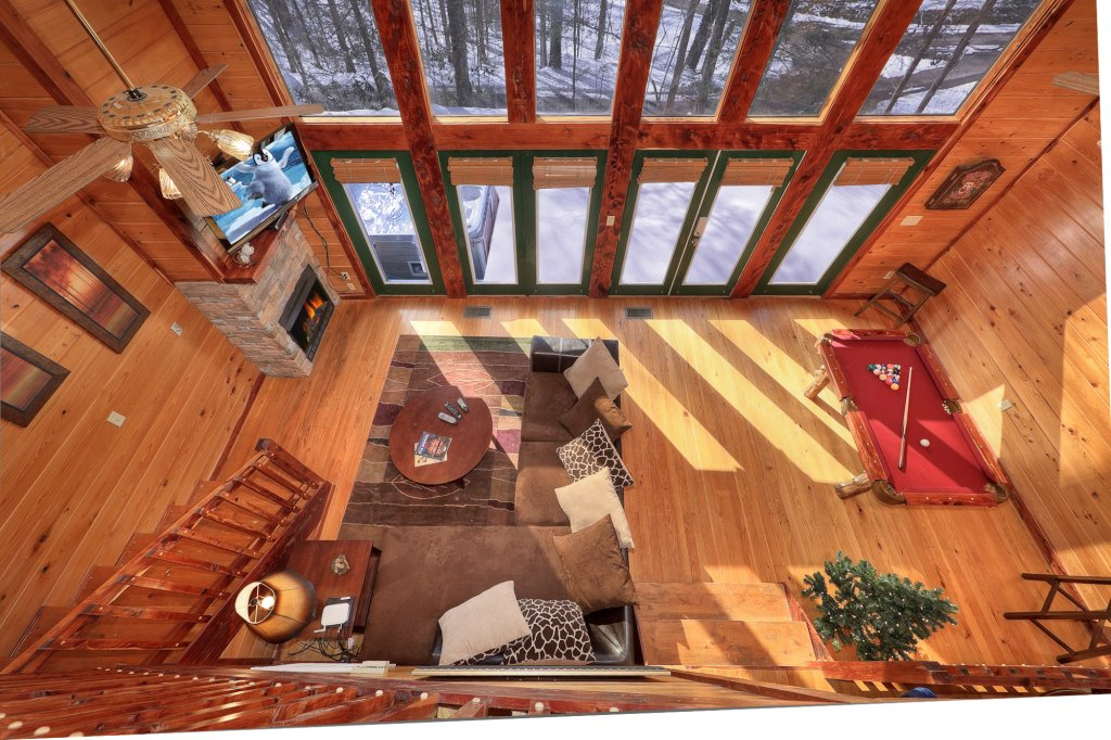 Photo of a Gatlinburg Cabin named Smoky Mountain Romance - This is the second photo in the set.