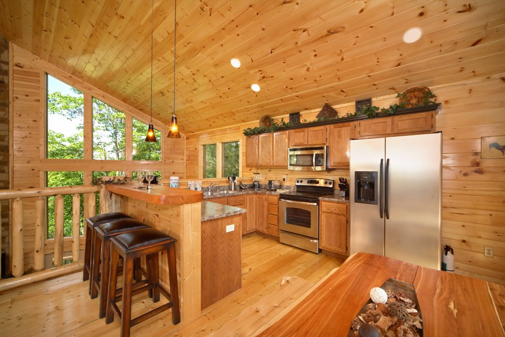 Photo of a Gatlinburg Cabin named Spur Of The Moment - This is the twelfth photo in the set.