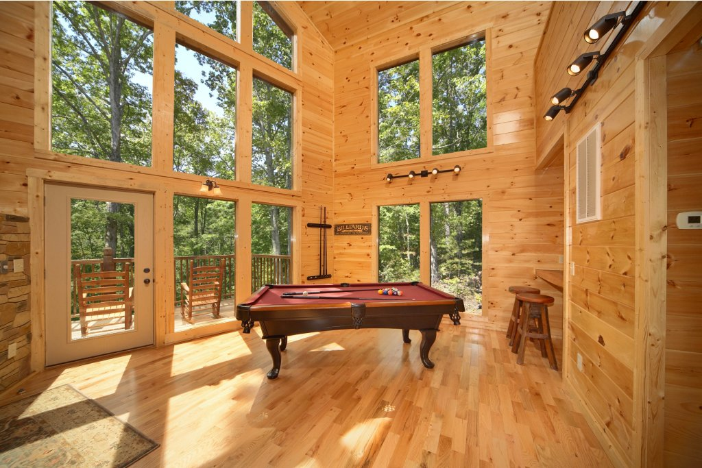 Photo of a Gatlinburg Cabin named Snuggled Inn - This is the fifth photo in the set.
