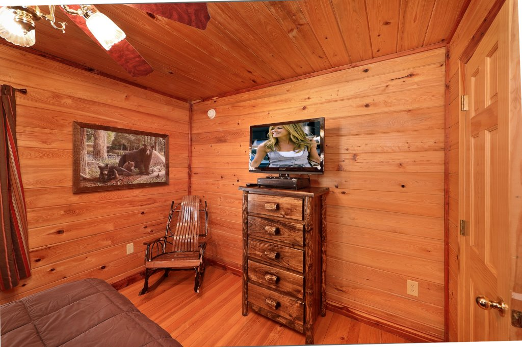 Photo of a Gatlinburg Cabin named Smoky Mountain Romance - This is the tenth photo in the set.