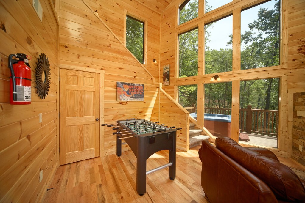 Photo of a Gatlinburg Cabin named Snuggled Inn - This is the sixth photo in the set.
