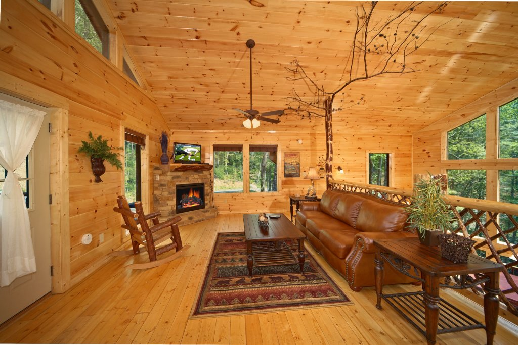 Photo of a Gatlinburg Cabin named Snuggled Inn - This is the seventh photo in the set.