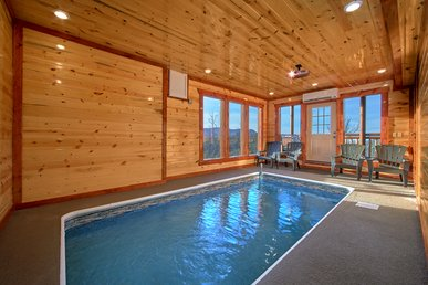 Luxury Cabin With Private Indoor Pool With Amazing Views And Theater Room