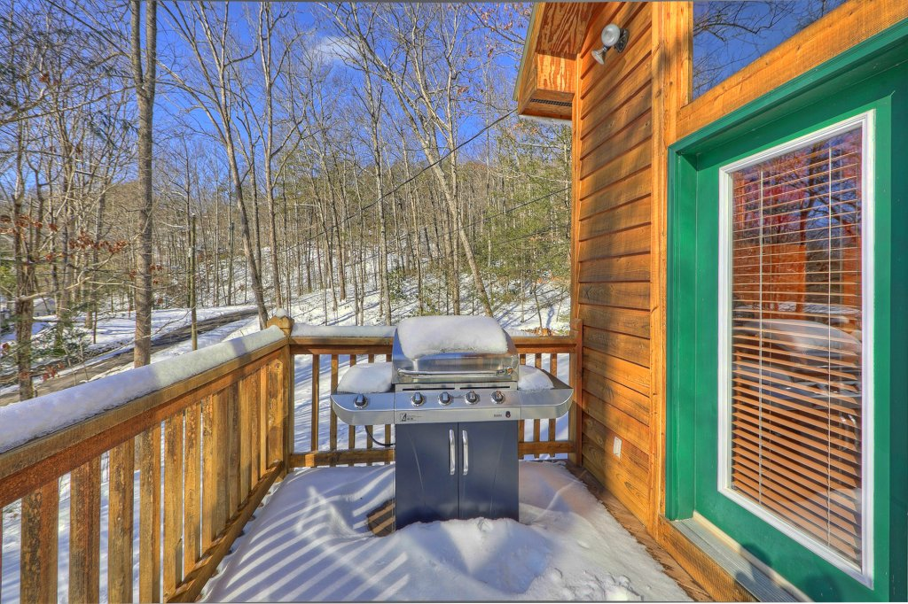 Photo of a Gatlinburg Cabin named Smoky Mountain Romance - This is the fourth photo in the set.