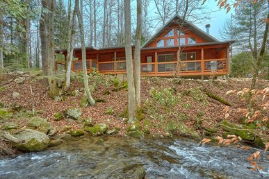 Escape To The Mountains Creekside!