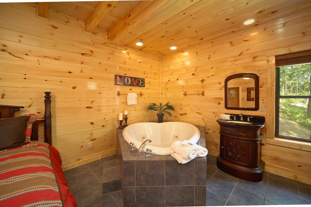 Photo of a Gatlinburg Cabin named Snuggled Inn - This is the thirteenth photo in the set.