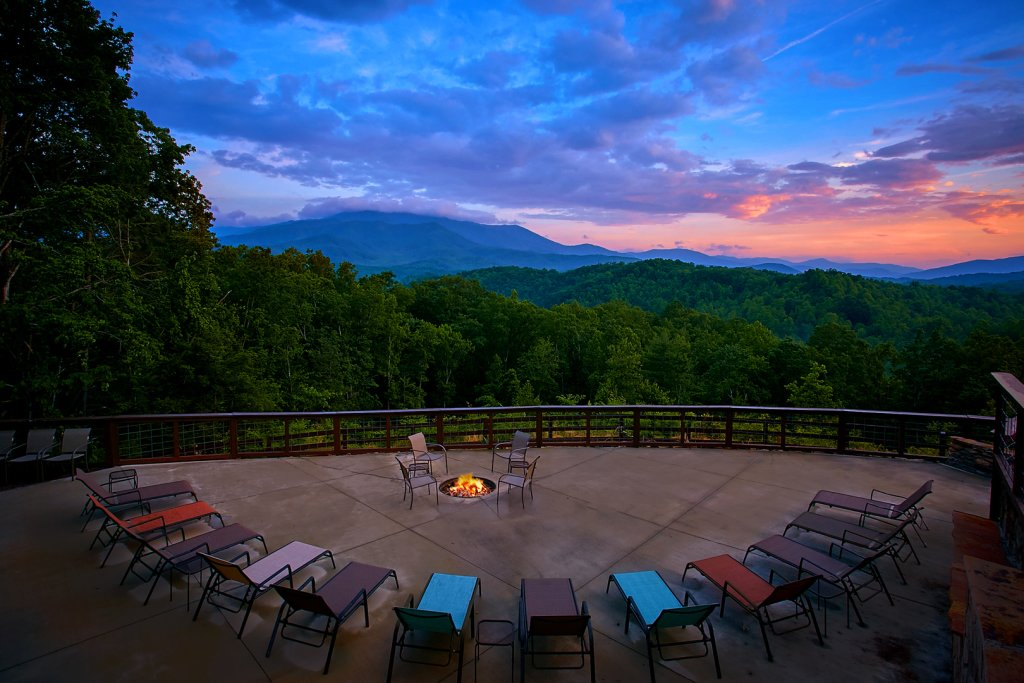 Photo of a Gatlinburg Cabin named Mountain View Mansion - This is the sixth photo in the set.