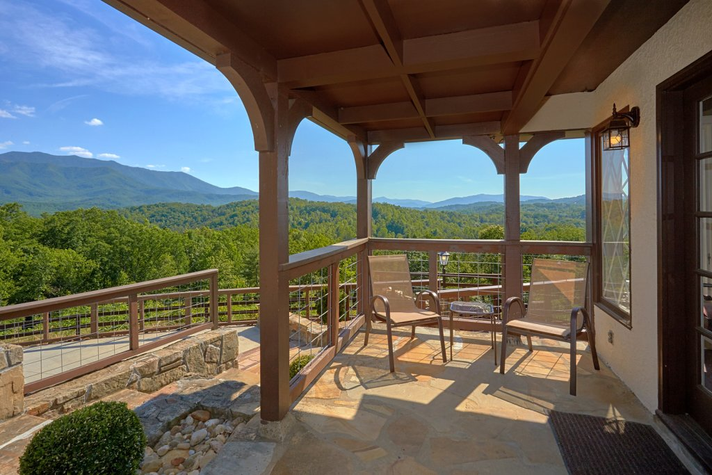 Photo of a Gatlinburg Cabin named Mountain View Mansion - This is the nineteenth photo in the set.
