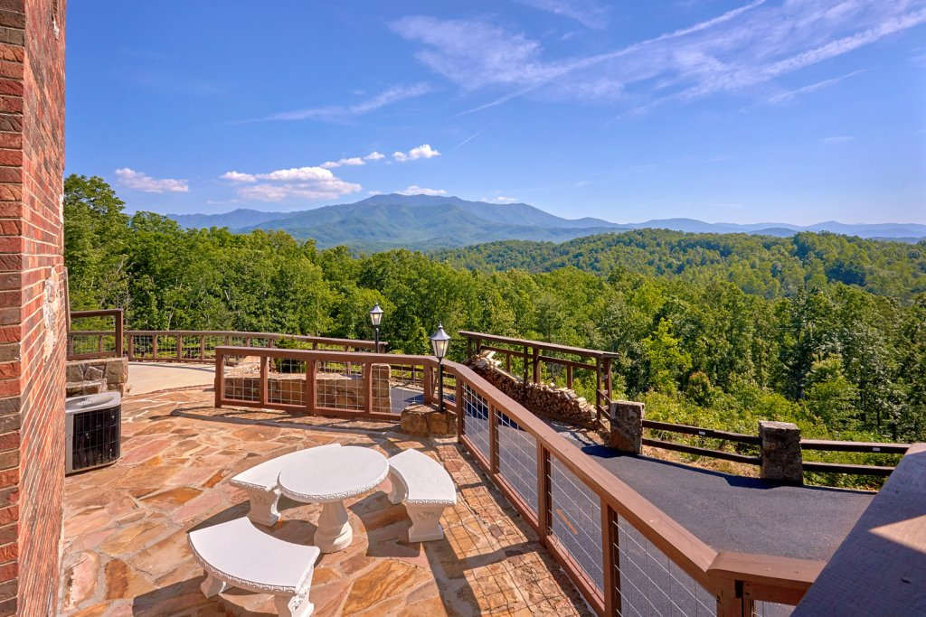 Photo of a Gatlinburg Cabin named Mountain View Mansion - This is the thirteenth photo in the set.