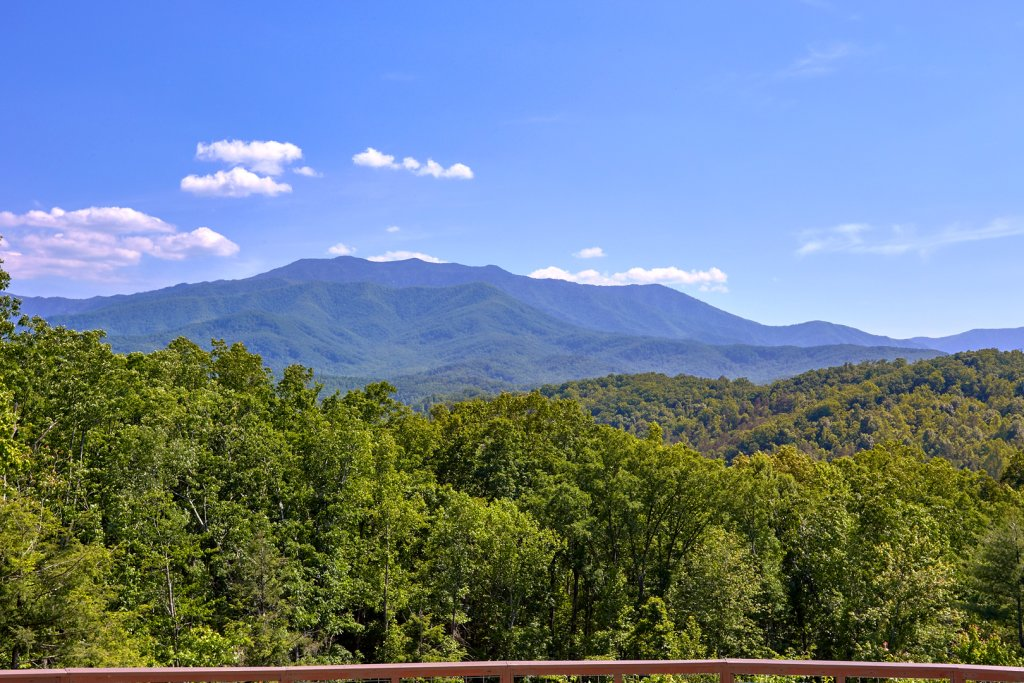 Photo of a Gatlinburg Cabin named Mountain View Mansion - This is the eighth photo in the set.