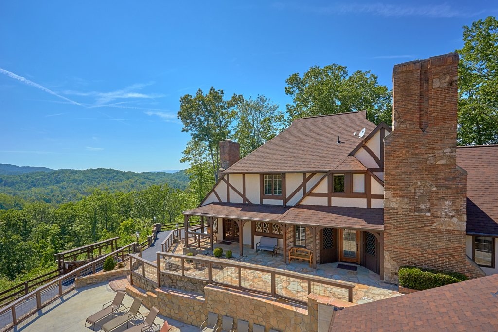 Photo of a Gatlinburg Cabin named Mountain View Mansion - This is the fifty-first photo in the set.