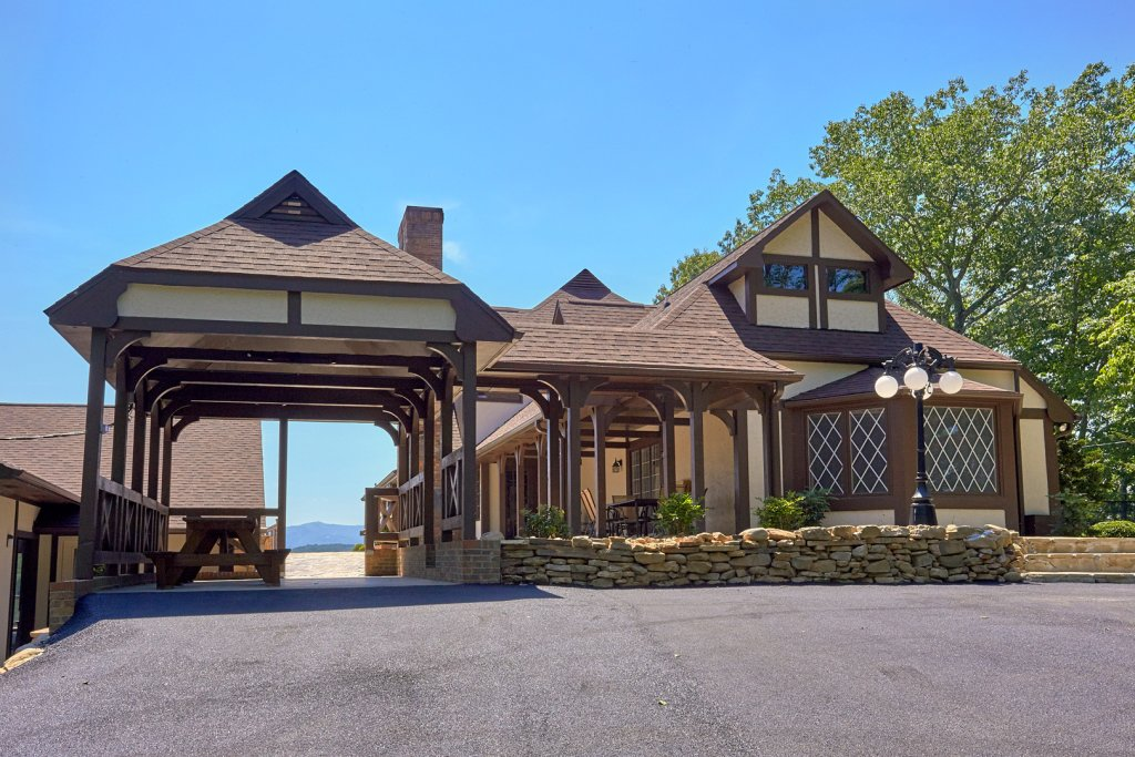 Photo of a Gatlinburg Cabin named Mountain View Mansion - This is the fifty-second photo in the set.