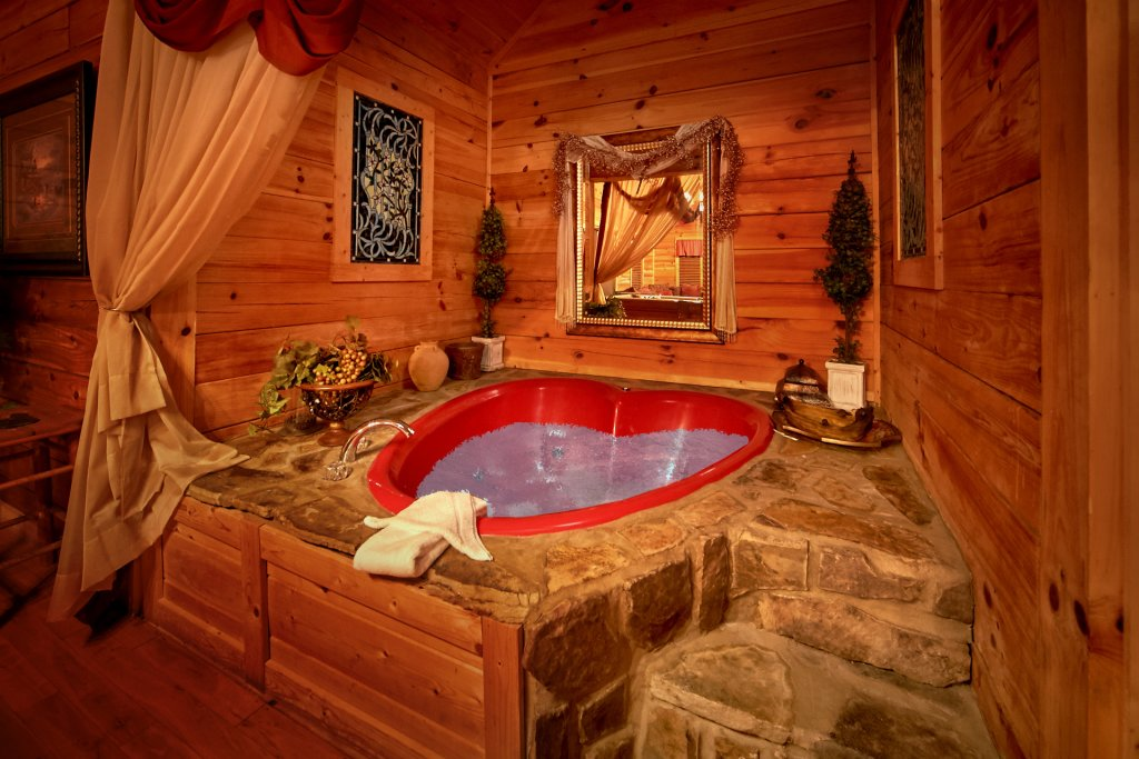 Photo of a Sevierville Cabin named Splish Splash - This is the eleventh photo in the set.