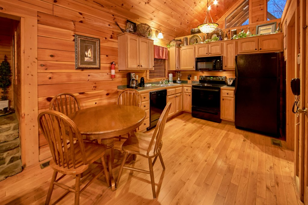 Photo of a Sevierville Cabin named Splish Splash - This is the eighth photo in the set.