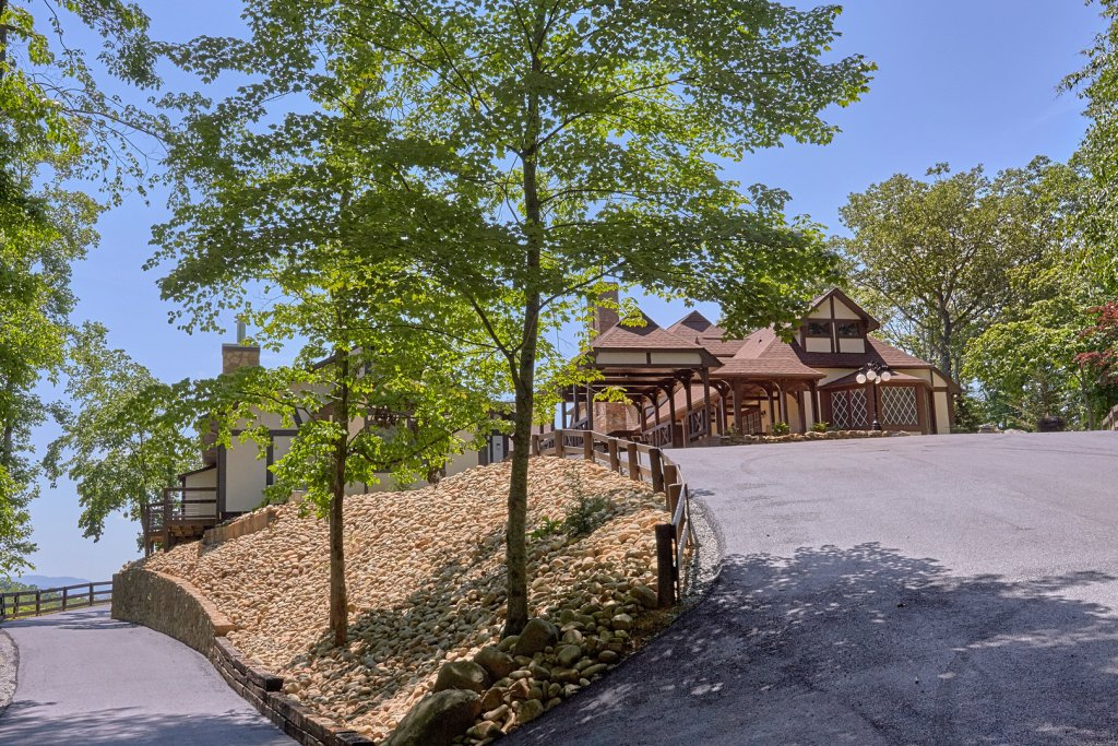 Photo of a Gatlinburg Cabin named Mountain View Mansion - This is the forty-eighth photo in the set.