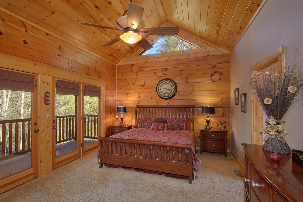 Photo of a Sevierville Cabin named Tranquility - This is the twelfth photo in the set.