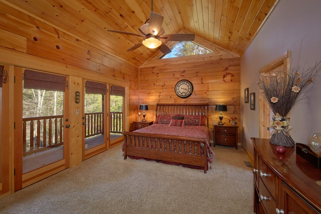 Photo of a Sevierville Cabin named Tranquility - This is the eleventh photo in the set.
