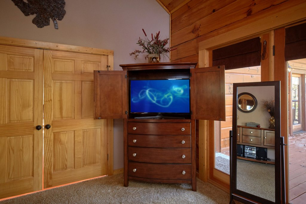 Photo of a Sevierville Cabin named Tranquility - This is the fourteenth photo in the set.