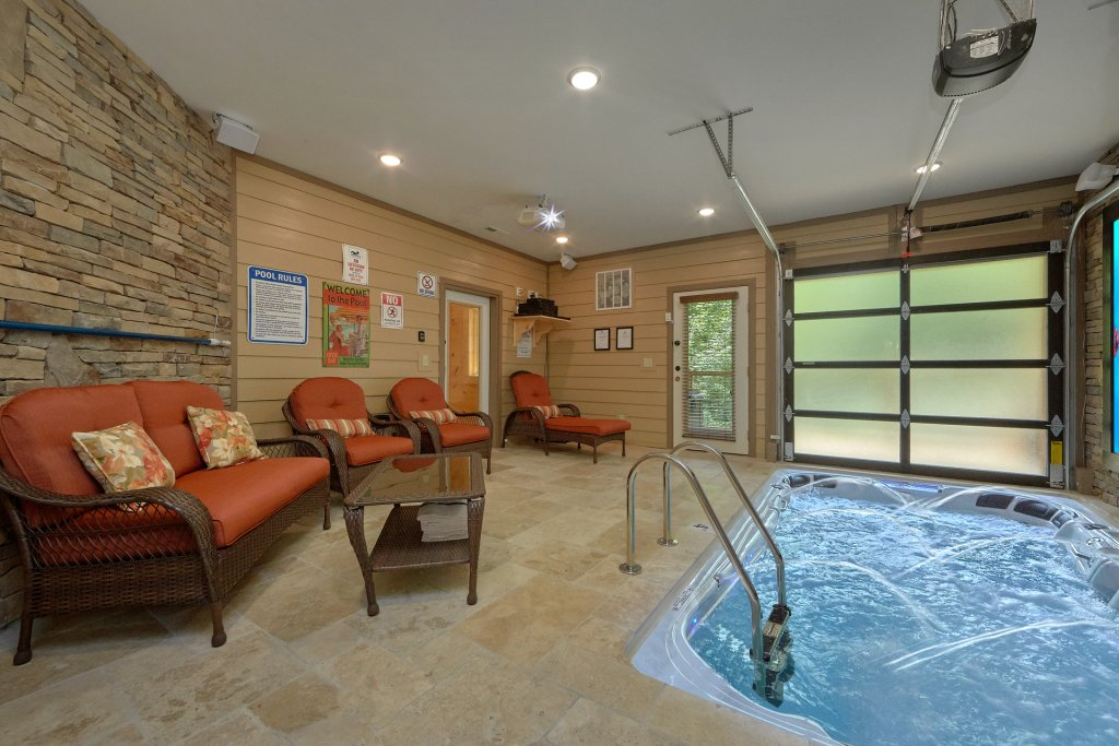 Photo of a Sevierville Cabin named Poolin Around - This is the fourth photo in the set.