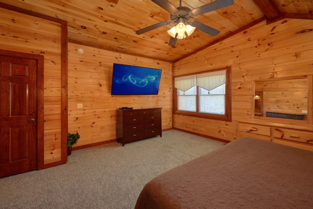 Photo of a Gatlinburg Cabin named Pool Movie 1 - This is the seventeenth photo in the set.