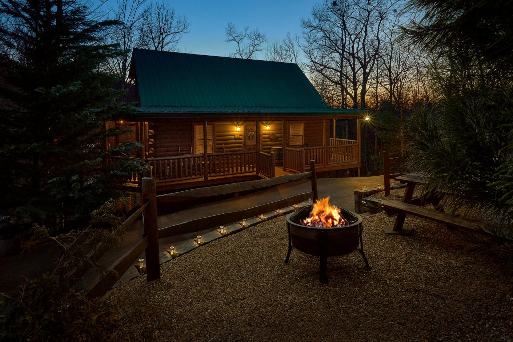 Photo of a Gatlinburg Cabin named Gentleman Jack's - This is the second photo in the set.