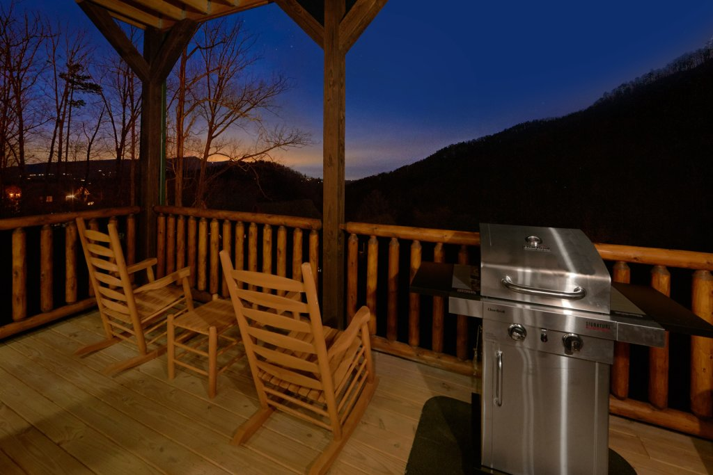 Photo of a Sevierville Cabin named Otter Springs Pool Cabin - This is the seventh photo in the set.