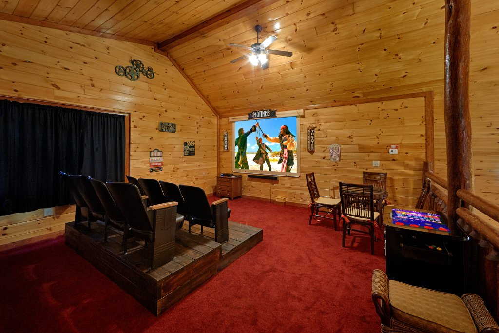 Photo of a Gatlinburg Cabin named Sweet Tranquility Pool Lodge - This is the seventh photo in the set.